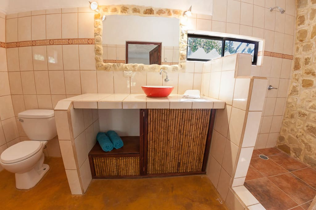 Large private bathroom Mexican cabina
