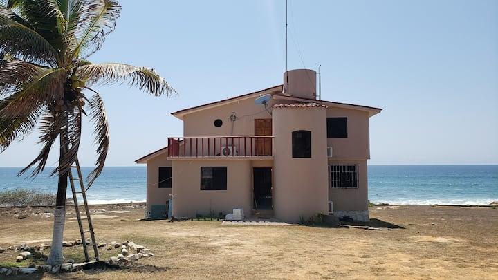 Casa Frente Al Mar Con Doble Terraza 3 Habitacione