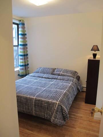 true bedroom with closet