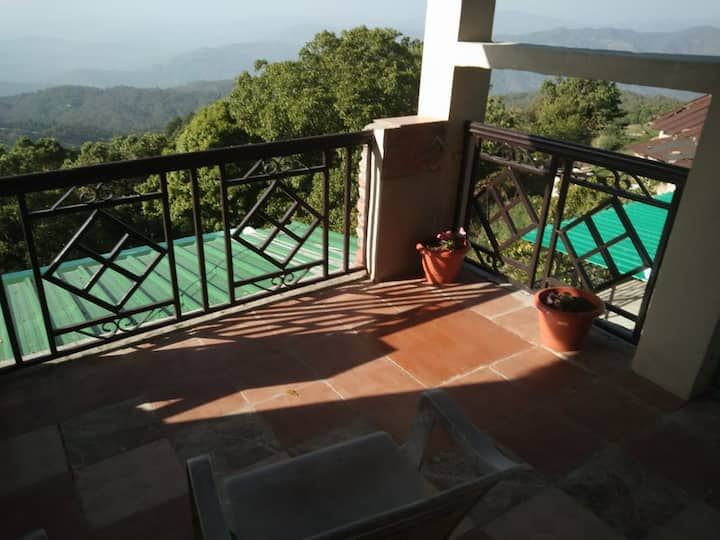 We placed us in the beautiful city mukteshwar.