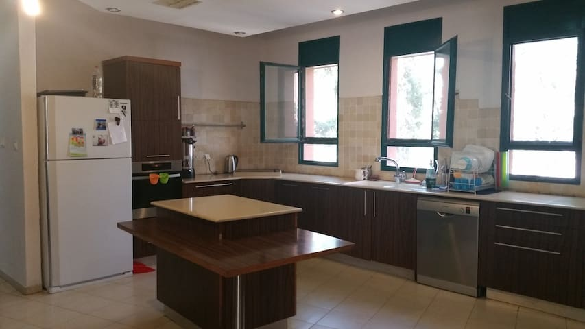 Country house, just 15 minutes from Jerusalem - Kfar Adumim - Apartment