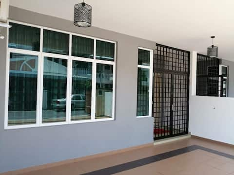 Uncle Lim HomeStay Kuala Terengganu [Redang Jetty]