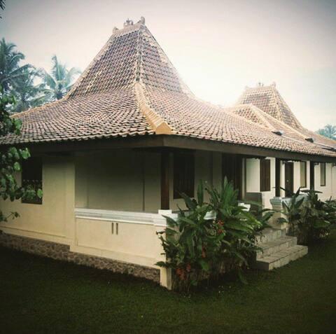Ndalem Tentrem Guest House Gandok