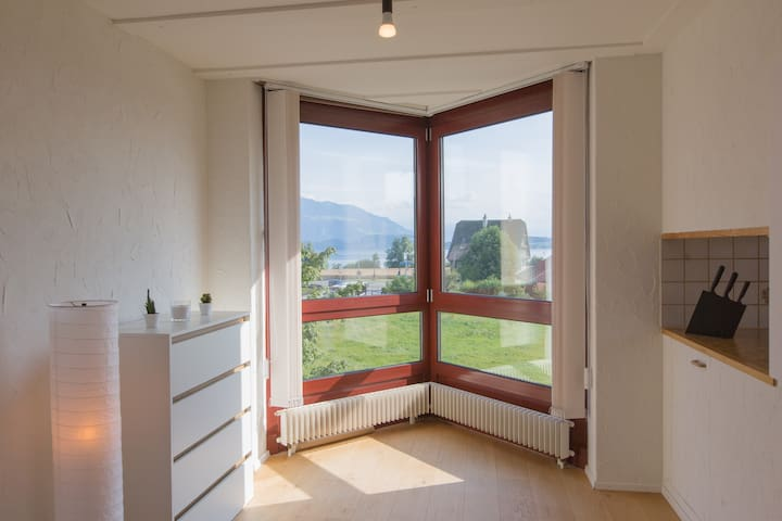 cosy room, flat mountain + lake view, 7m to centre