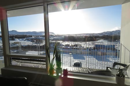 Suberb new apartment with amazing view - Mosfellsbær - Leilighet