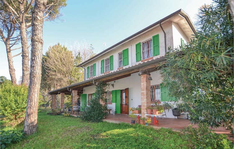 Holiday cottage with 2 bedrooms on 100 m² in Rimini RN