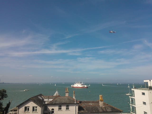 Cowes Seaview Apartment - Cowes - Huoneisto