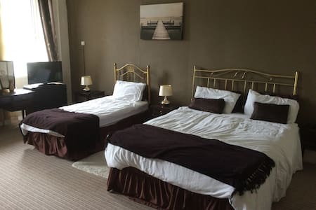 The Manor Guest House, Family room, Fermoy, Cork - Fermoy - 民宿