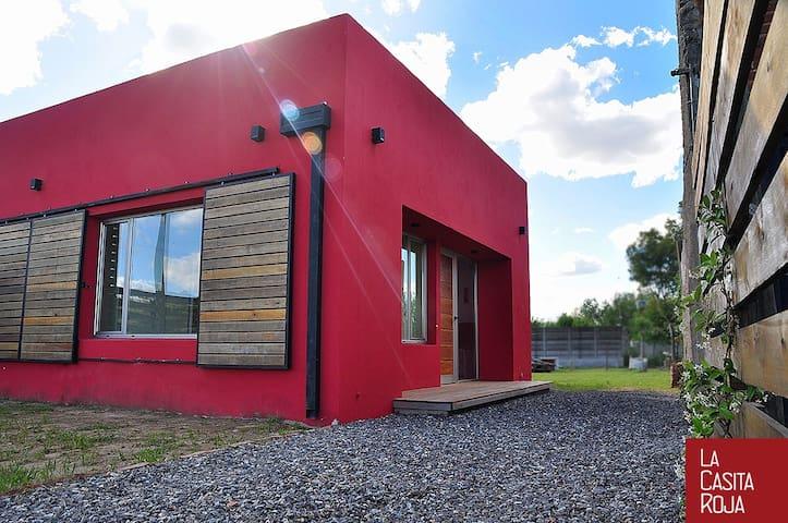 LA CASITA ROJA | alojamiento-cabaña - General Belgrano - Huis