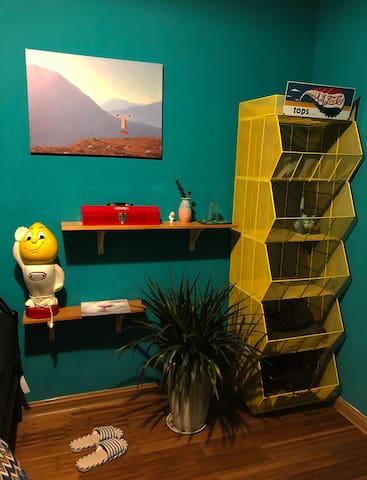 黄色超级便利店 置物架