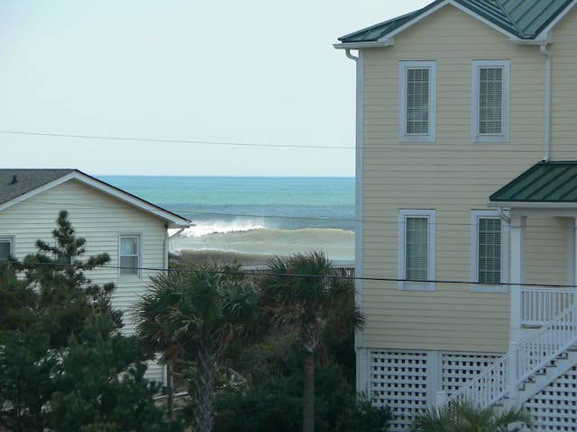 Quaint 3rd row beach cottage - Emerald Isle - House