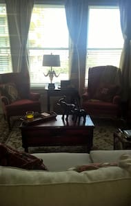 Right in Old Town, NEW apt. - Alexandria - Apartment