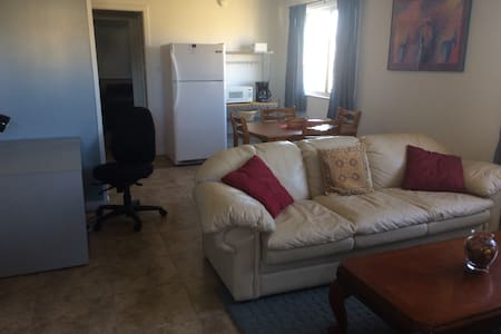 FURNISHED DOWNTOWN CORPORATE SUITE - Los Alamos