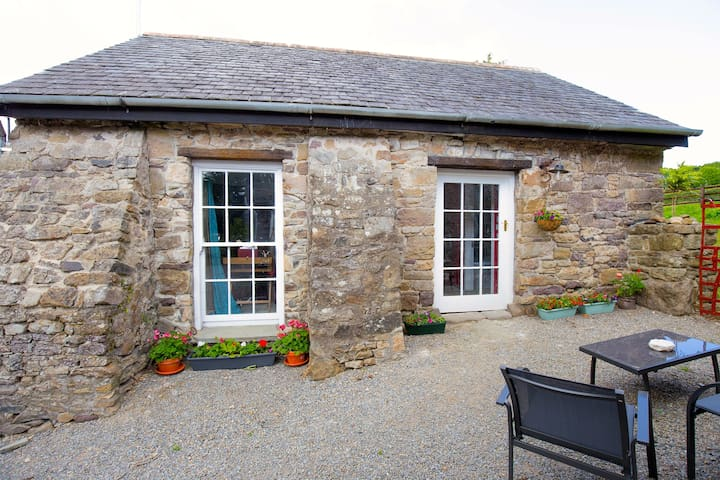 Cosy, Romantic Stone Cottage