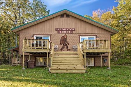 Sasquatch Lodge Vacation Home