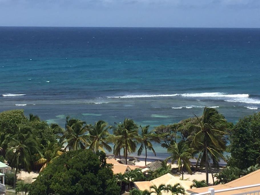 Vue sur Marie-Galante - Les Saintes - Petite terre - La Basse Terre - La Dominique
