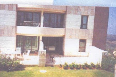 The Rajuan's country side suites - Shoresh - Kondominium