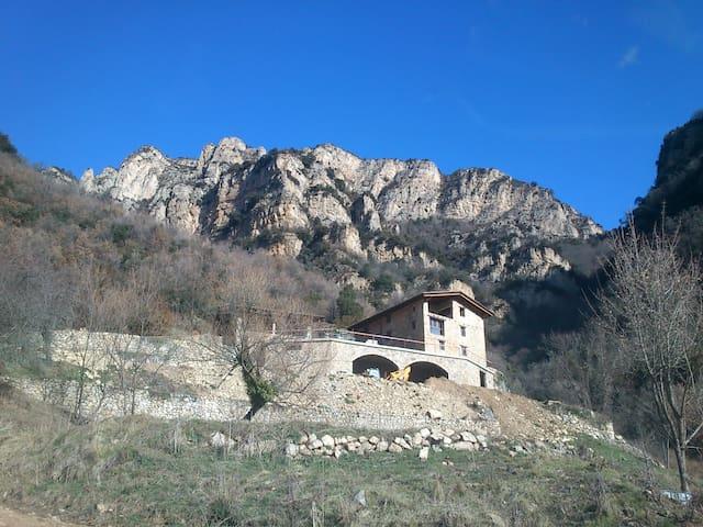 Casa de turismo rural Vall-llòbrega - cercs - House