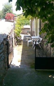 Ancienne maison de village rénovée - Volpajola