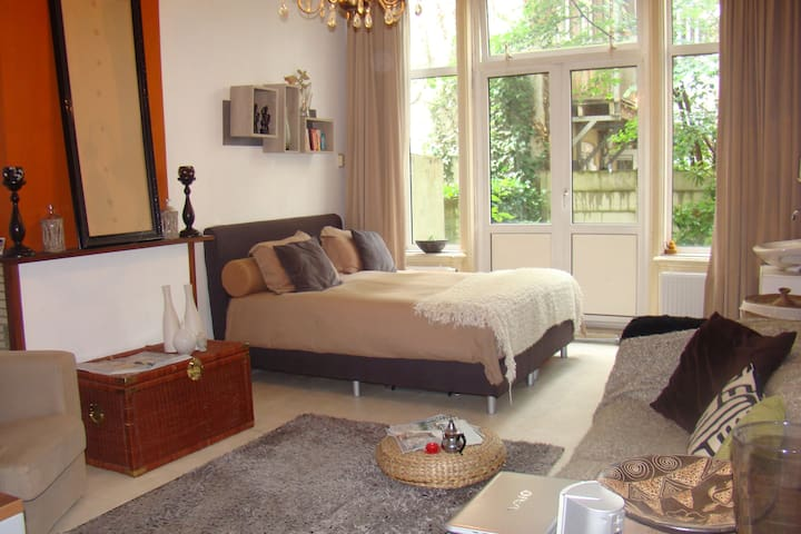 Nice Furnished Room @ Good Location - Amsterdam - Apartment