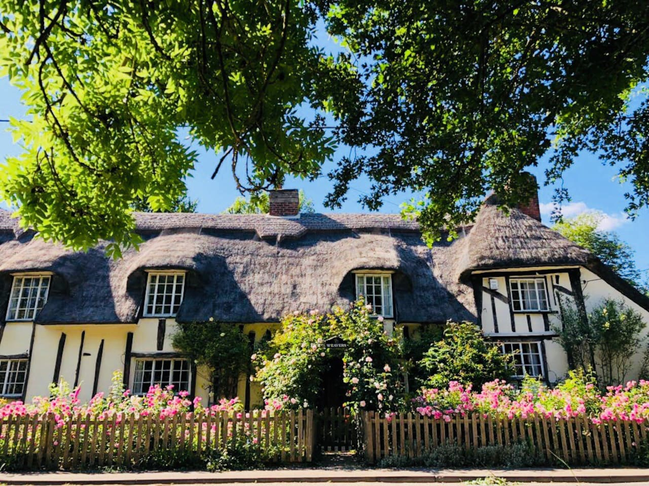 Our beautiful grade II listed chocolate box cottage thatched cottage. Set in the stunning Suffolk countryside overlooking fields, this is a perfect country escape. We welcome you to your peaceful home from home bursting with charm and character.