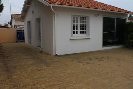 Petite maison à 400m de la plage - La Faute-sur-Mer