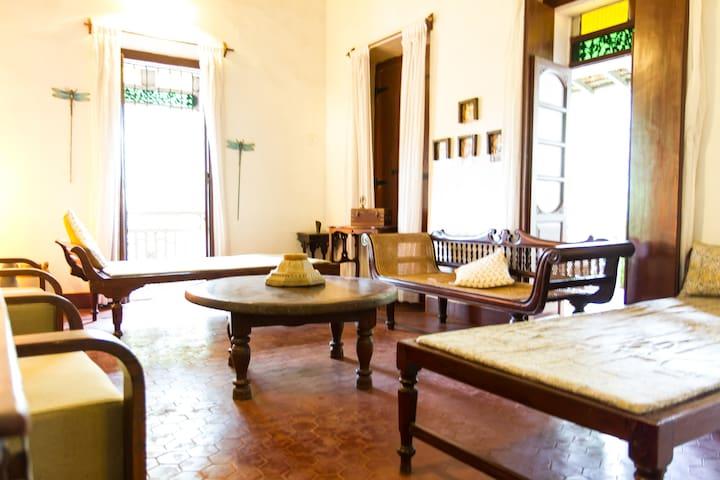 Luxury Vintage  Portuguese Villa - Calangute - Villa