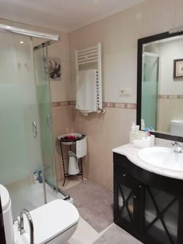 Alquiler de habitación zona HUCA (Habitación 2)