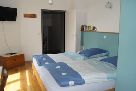 1-Raum-Appartement in schönem Altbau - Aachen - Talo