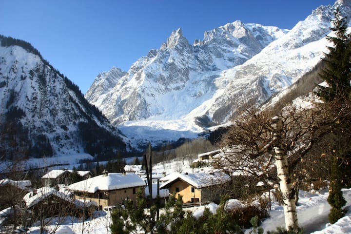 Courmayeur - stunning Mt Blanc view