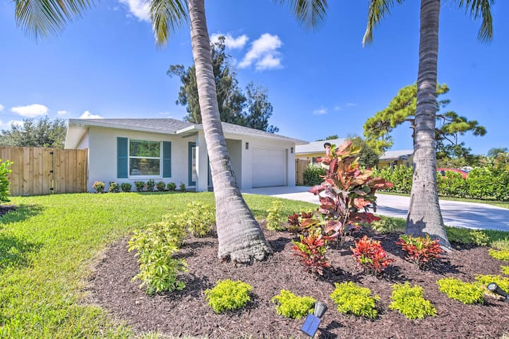 NEW! Renovated Naples Home, 1 Mi to Vanderbilt Bch
