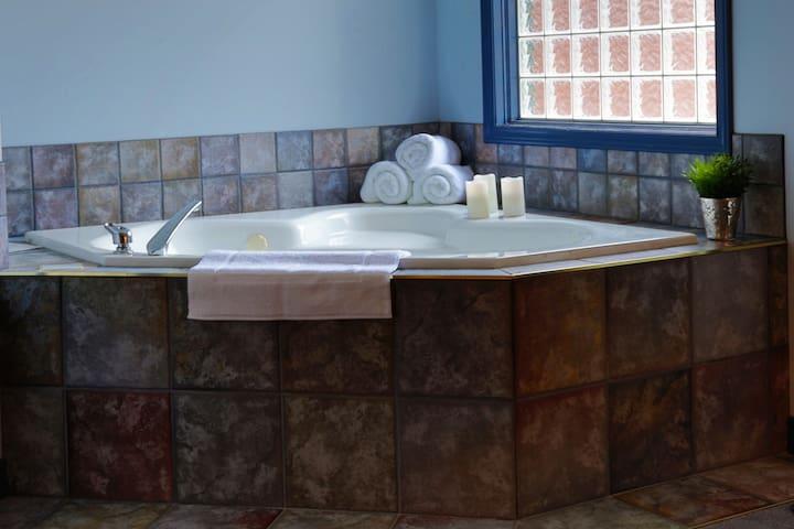 Fairmont HotSpring Get A Way - Fairmont Hot Springs - Rumah bandar