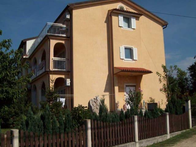 Ferienappartments für 2-6 Personen - Vinež - Flat