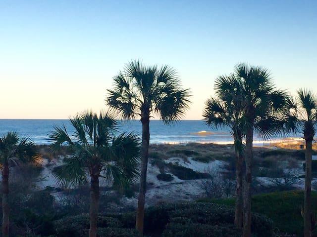 Amelia Island Oceanfront Luxury Condo - Fernandina Beach