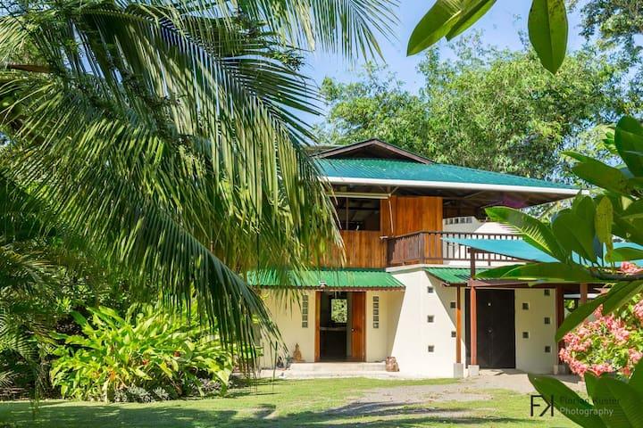 Casa Mil Flores Osa beach house - Matapalo - Casa