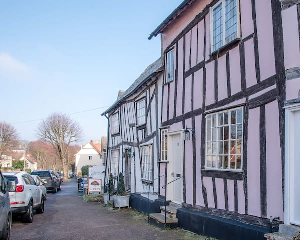 A superb recently refurbished cottage in Lavenham