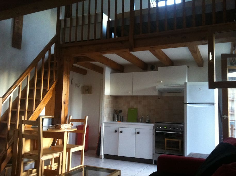 coquet studio duplex annecy centre flats for rent in annecy ra france. Black Bedroom Furniture Sets. Home Design Ideas