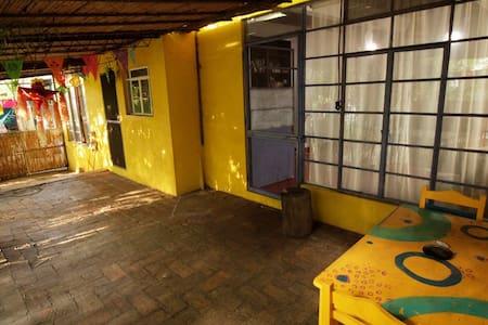 """bungalow """"bamboo"""" lush&cozy - Oaxaca - Bungalow"""