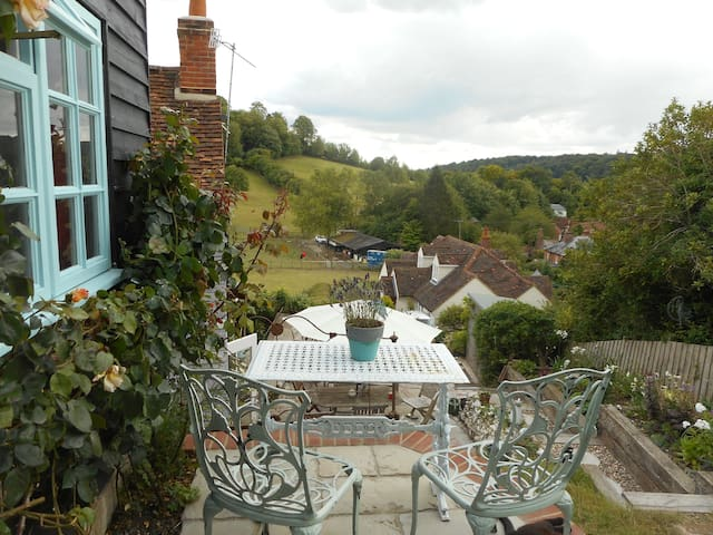 Tranquil haven with stunning views. - Hambleden, Henley-on-Thames - Srub