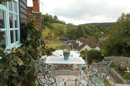 Tranquil haven with stunning views. - Hambleden, Henley-on-Thames - 통나무집