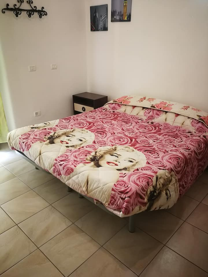 Independent furnished apartment old town