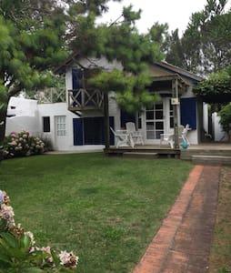 Casa en La Barra cerca del mar