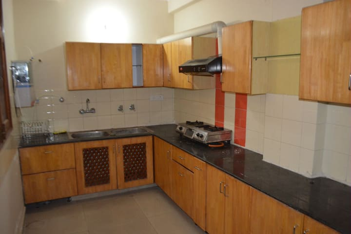 Pal Pent - short Stay Double rooms - Zirakpur - Appartement