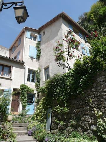 Le Grimpadou aux portes des Cévennes. - Saint-Jean-de-Buèges - House