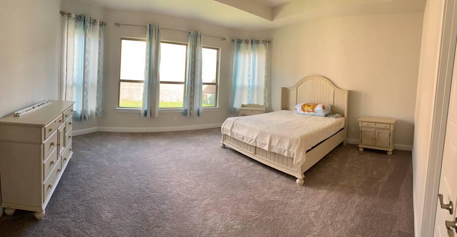 Luxury master bedroom +full bathroom and hot tub