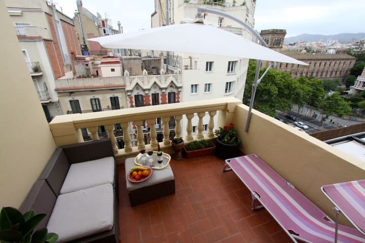 Fabulous apartment w/great terrace! - Barcelona