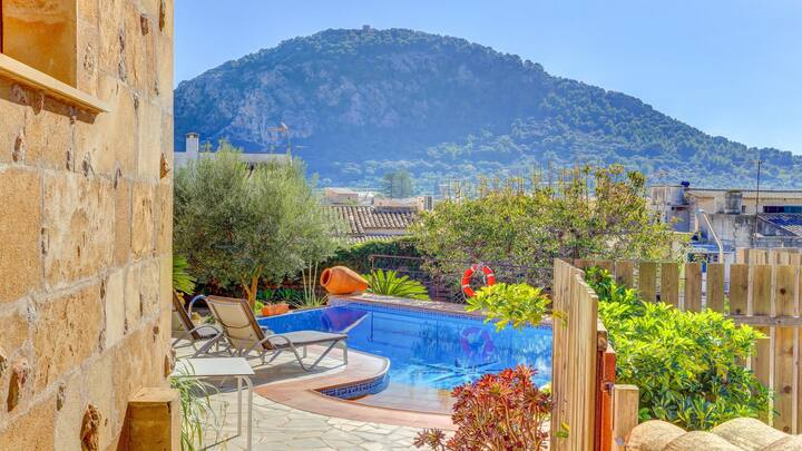 Central Pollensa, great views, Air con, Jacuzzi