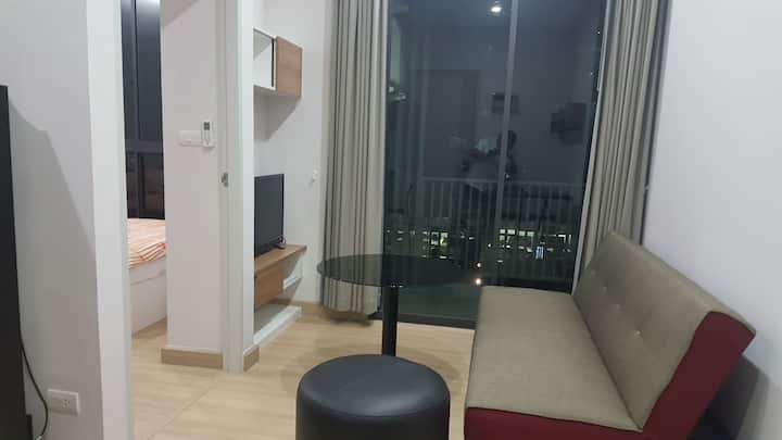 Close to Donmuang Airport & easy to center town