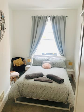 Double Bedroom at Front of Apartment