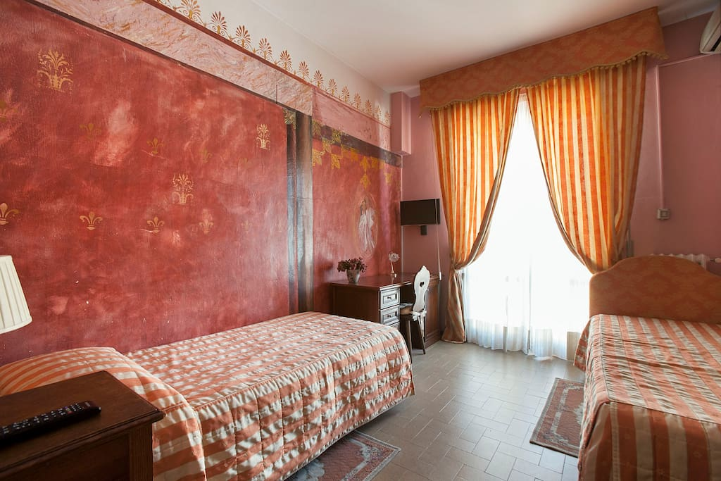Single room pompei porta romana bed breakfasts for - Bed and breakfast porta romana milano ...